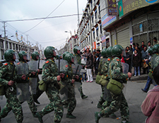 Chinese Mmilitary and Tibetans